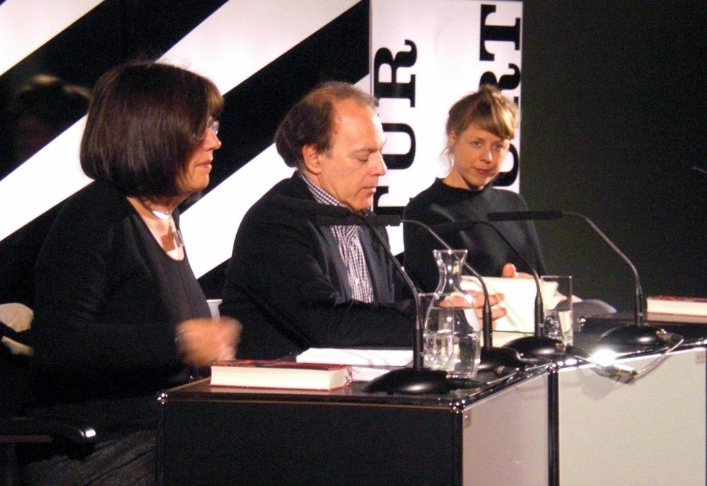 Michi Strausfeld (Lektorin), Javiar Marías,  Anna Böger (dtsch. Text)
