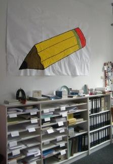Der Bleistift, der zu den Anti-Kögida Protesten gezeigt wurde