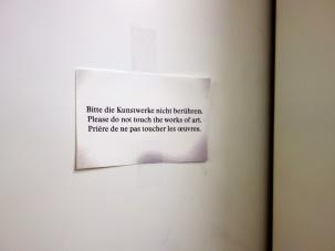 Was sich wohl hinter dieser Tür verbirgt, zuhinterst im Handlager? Darüber werden wir jetzt eine Weile spekulieren …
