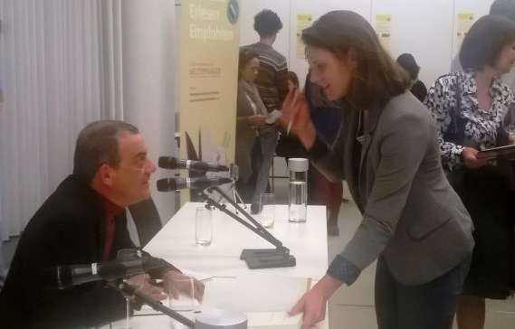 Horacio Castellanos Moya & die Bücherliebhaberin im Gespräch