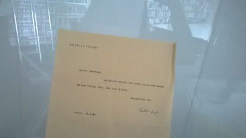 Bertold Brechts Brief an Suhrkamp (c) glasperlenspiel13