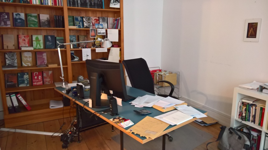 Verlegerschreibtisch im Berenberg Verlag ©glasperlenspiel13