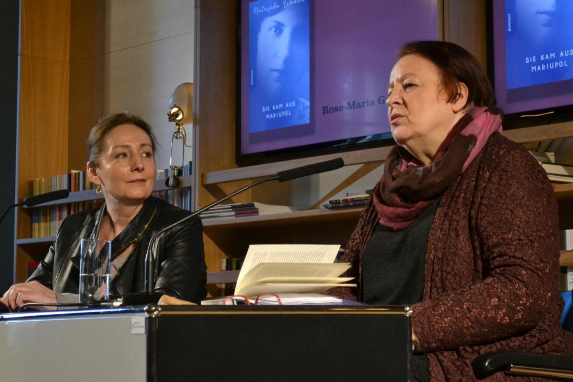Rose-Maria Gropp (F.A.Z.) und Natascha Wodin im Literaturhaus Frankfurt ©SchöneSeiten