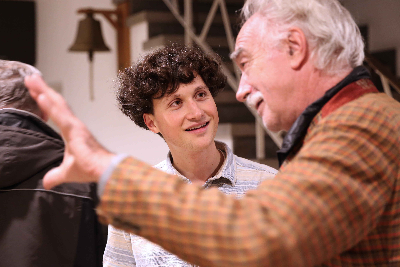 Preisträger Joshua Groß mit Jean Radvanyi | ©Charlotte Fischer