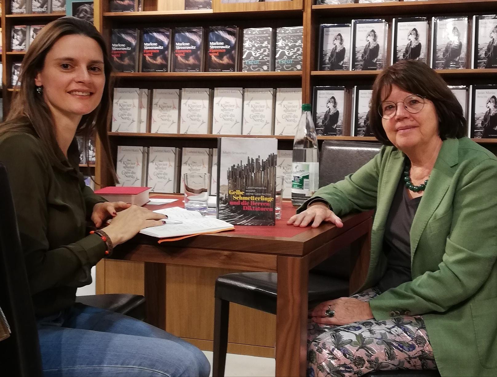 Mit Michi Strausfeld während des Interviews ©glasperlenspiel13
